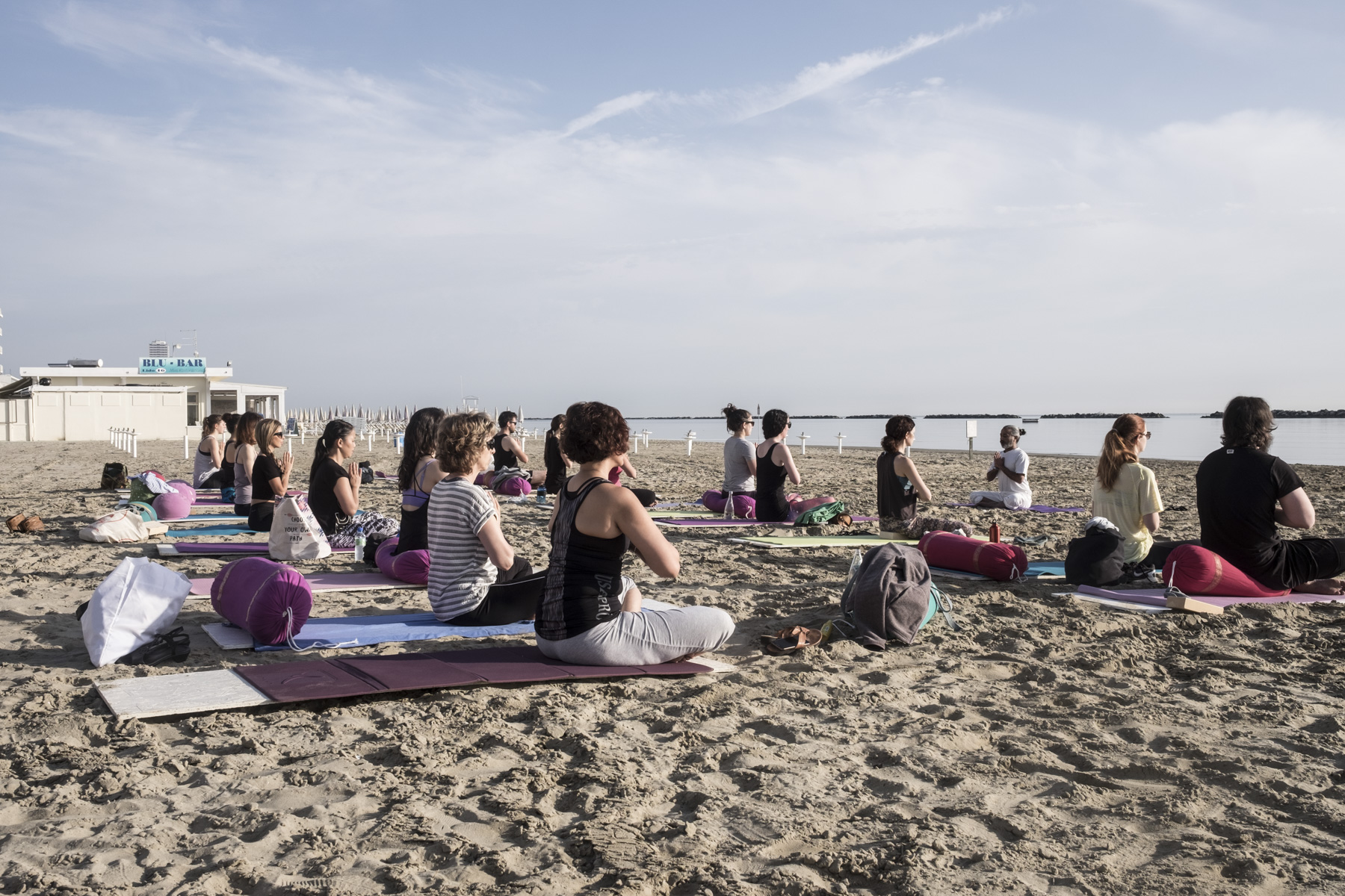 budget yoga retreat italy