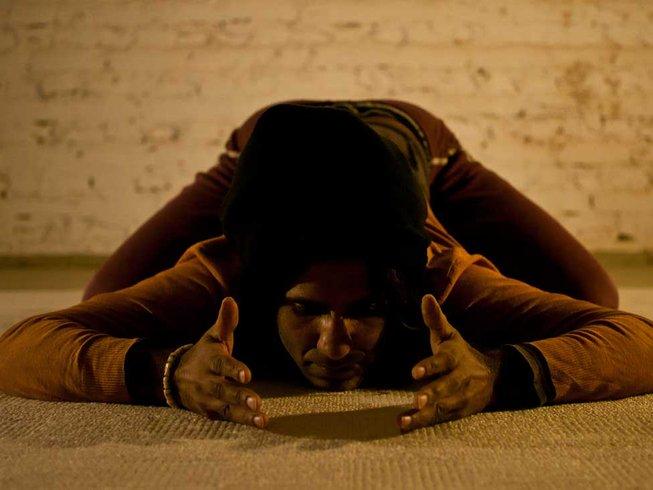 Gay yoga retreat Italy