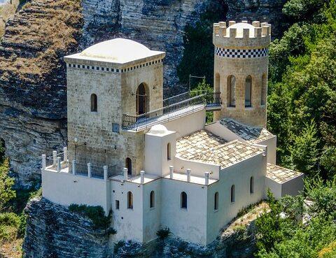 retreat in castle