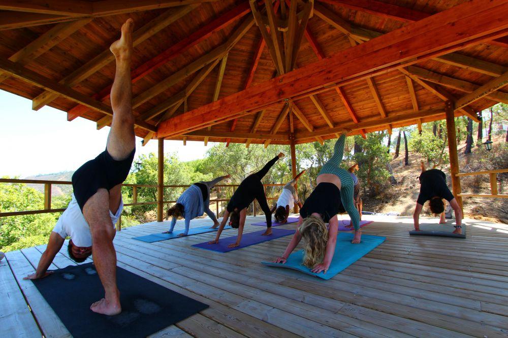 budget yoga retreat Algarve