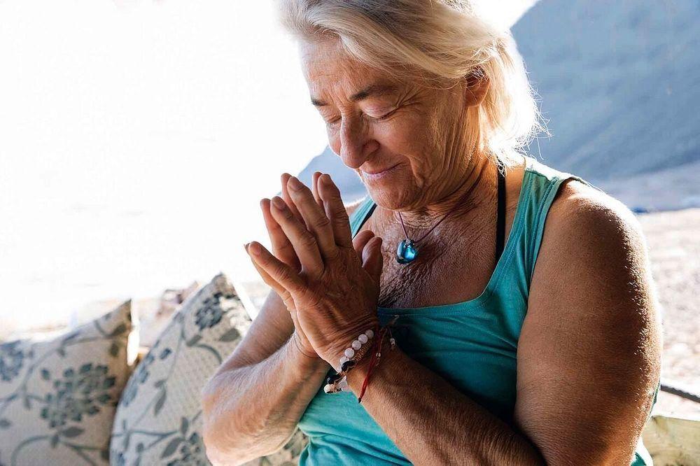 Christmas yoga in Egypt with Barbara Gordon