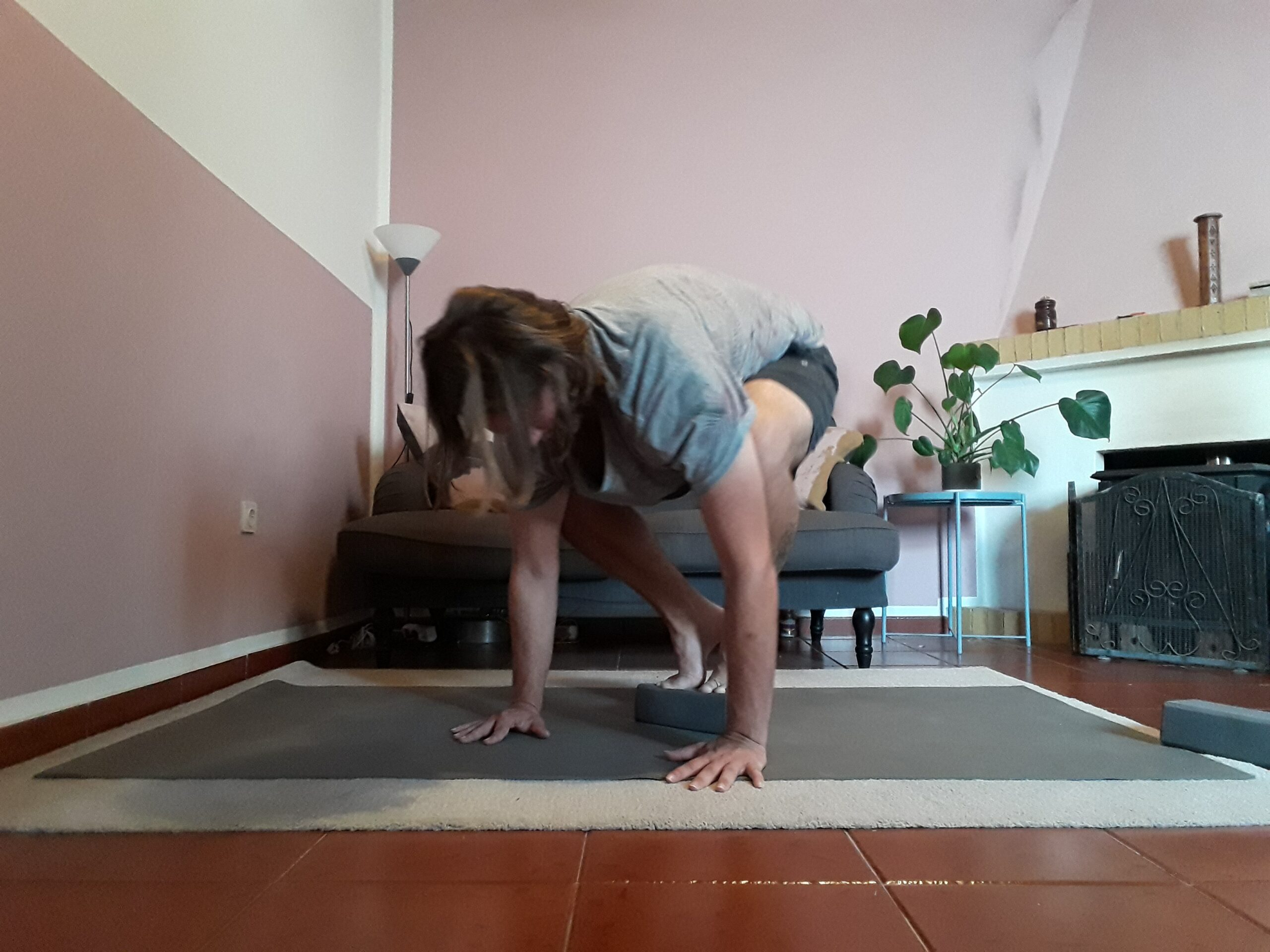 tips to get into crow pose