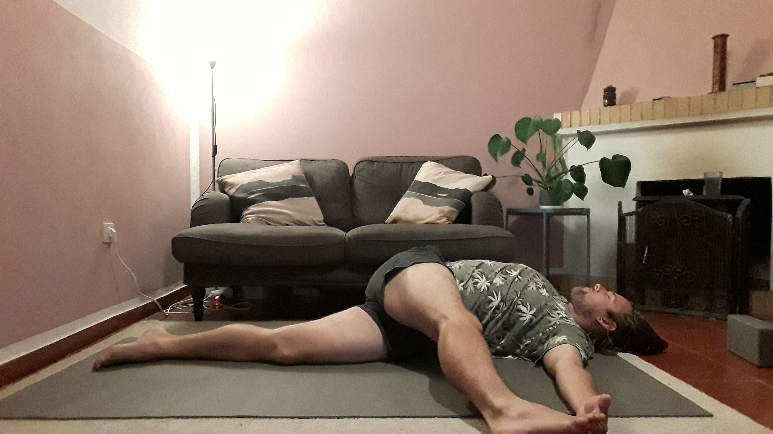 supine spinal stretch
