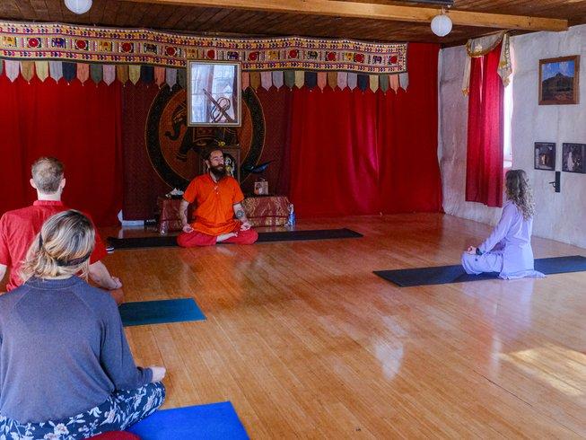 Yoga retreat in ashram maine